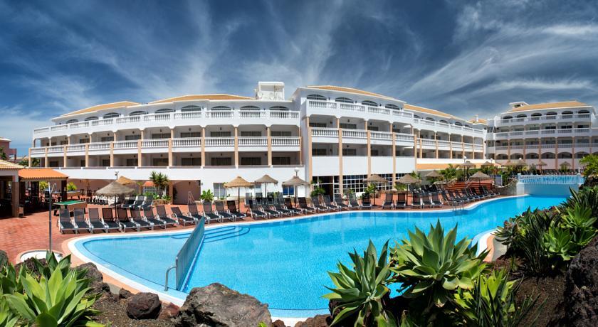 hotel-marola-portosin-mainpoolandhotel