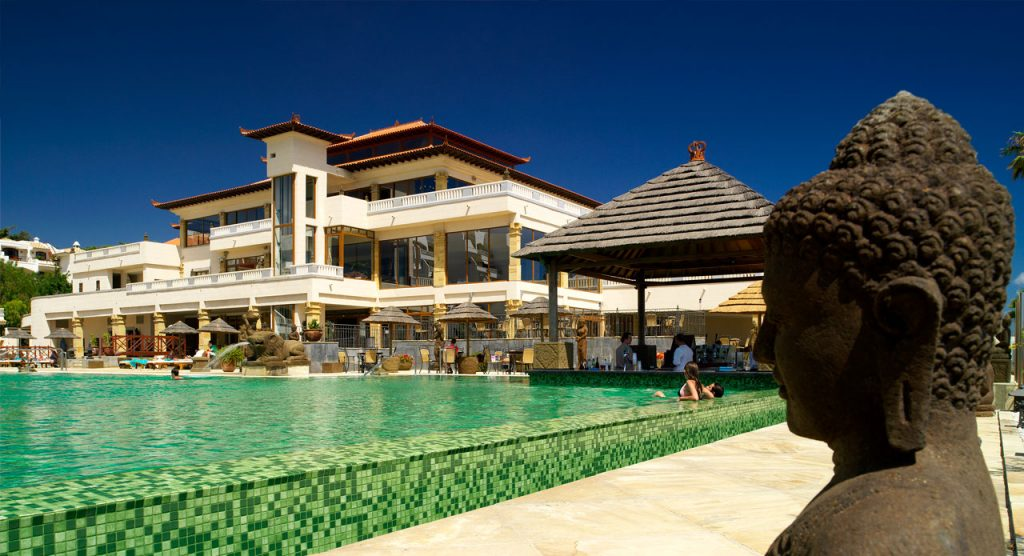 regency-country-club-mainpoolandhotel
