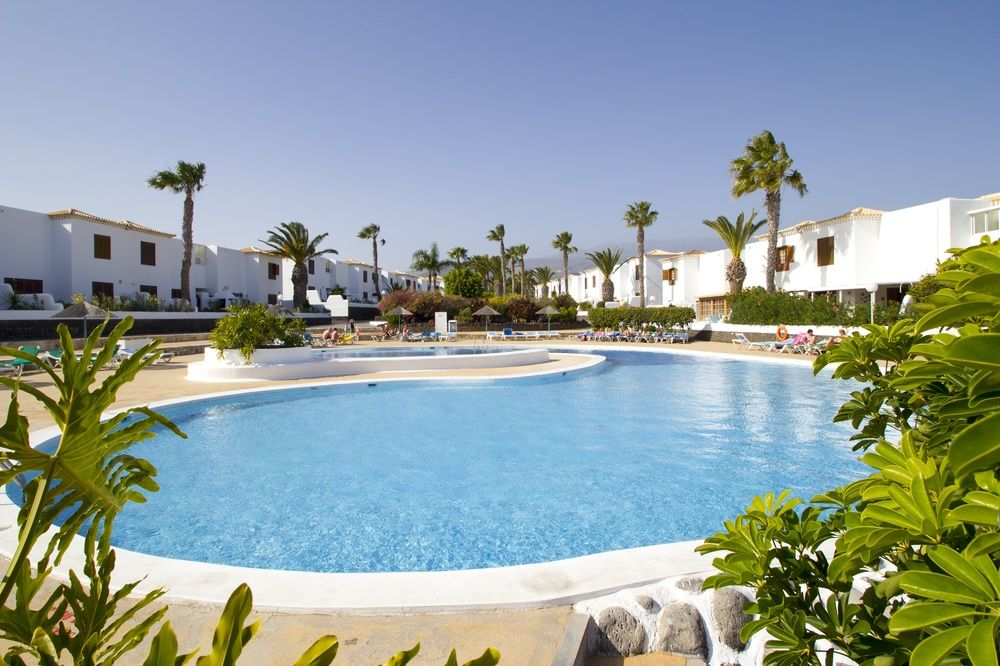royal-tenerife-country-club-mainpool